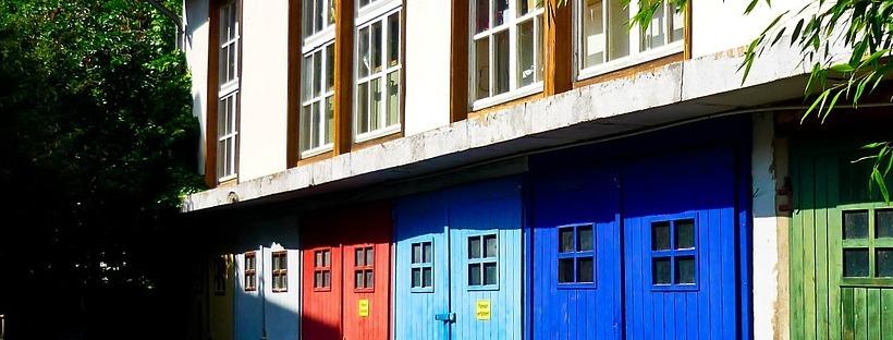 Doors & Window Ideas For Your Backyard & Patio