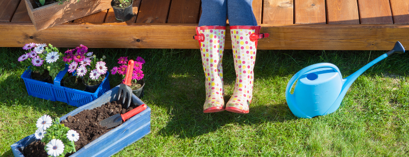 Make the Most of Spring: 9 Recommendations for Your Backyard Lifestyle Area