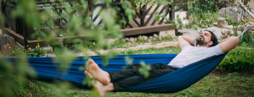 Hang Out in Style: 5 Ways to Integrate Hanging Chairs and Hammocks Into Your Patio Design