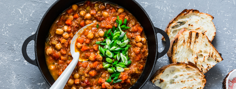 Chickpea stew with toasted bread on the side